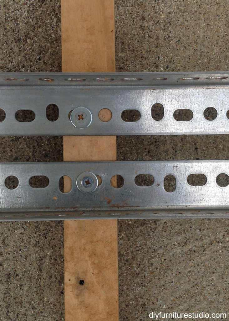 angle iron router sled closeup
