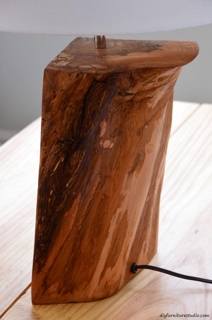 Table lamp tutorial. Natural wood. DIY.