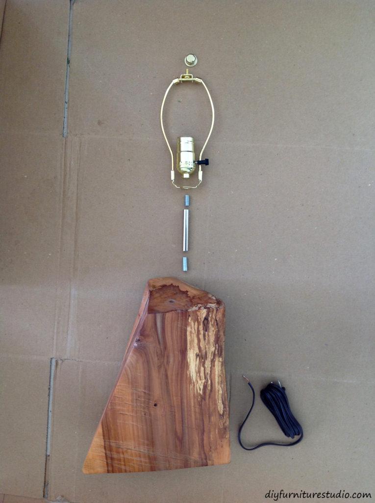 DIY natural live edge table lamp tutorial.